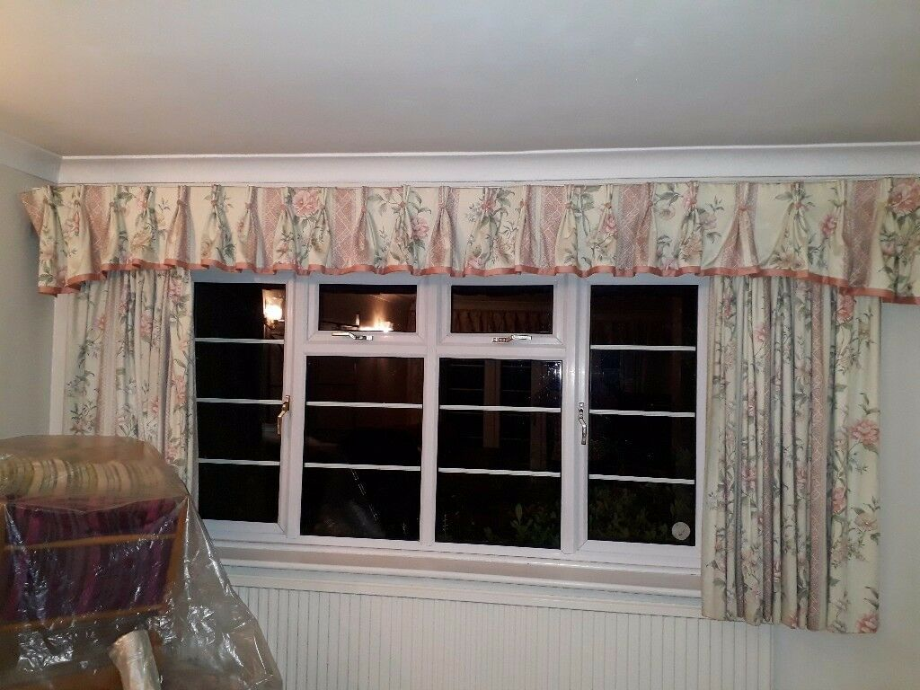 3 sets of curtains with pelmet