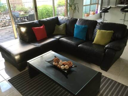 Quality as new genuine leather chaise lounge- paid $1700 Lenswood Adelaide Hills Preview