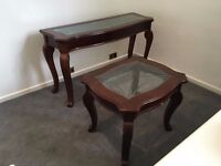 Set of 2 matching tables - Chestnut wood with glass center - Coffee Table - Good Quality