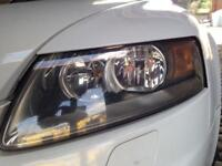 Audi A6 2006 driver side head light in good condition pickup only