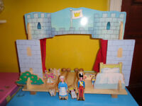 CHILD'S SOLID WOODEN PUPPET THEATRE & ACCESSORIES