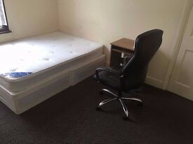 Big Single Room, £90P/W, Bills Include, Furnished, Close to EAST HAM Station, Very nice and tidy.