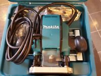 MAKITA RP0900X PLUNGE ROUTER 240V Brand New