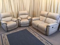 Cream Leather Electric Recliner 3 Piece Suite - 2 Seater Sofa & 2 Armchairs