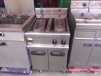 TWIN TANK COMMERCIAL CHIPS FASTFOOD CATERING FRYER KITCHEN PUB DINER RESTAURANT TAKEAWAY MACHINE