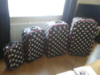 Dunlop set of suitcases