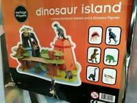 Heritage play - dinosaur island