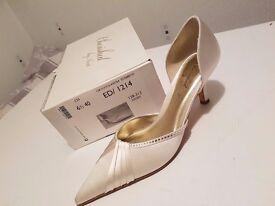 Never Worn Ivory Satin, Kitten Heeled Bridal Shoes
