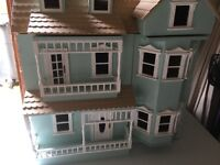 Dolls House - Professional / collectible Sturdy wooden type