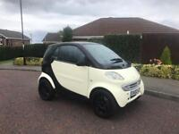 SMART CAR LIMITED EDTION IN CREAM AND BLACK