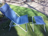Deckchair with foot stool