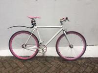 No Logo bike - with accessoriew
