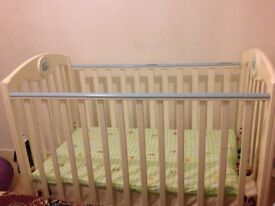 Baby cot *good condition*