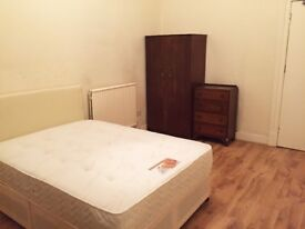One Large double bed room to let Westend Glasgow University Gibson Street