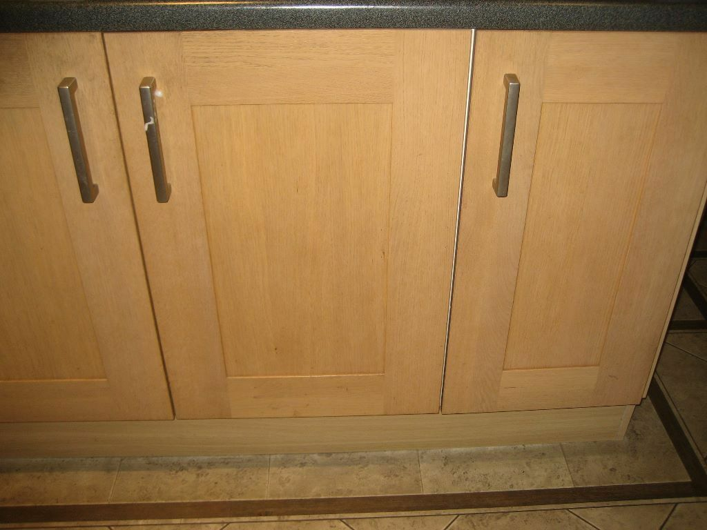 Wickes Kitchen Furniture Tiverton Light Oak Fitted Wickes Kitchen Unit Doors In Very Good