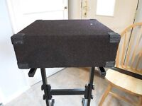 "19"" 2u carpeted flight case with foam padding"