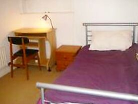 Room to let in central Headington shops/Brookes.all bills inc.£120 pw