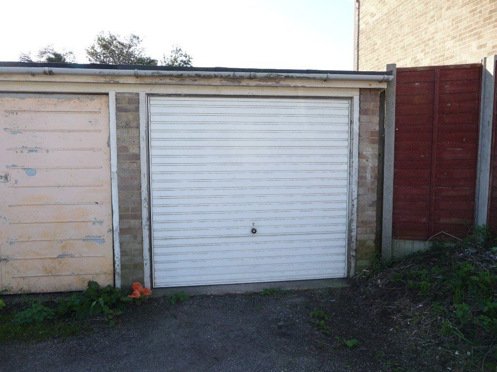 rent p or for garage single long with secure parking power term storage to lighting short car