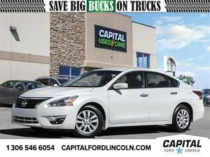 2015 Nissan Altima *Backup Camera * Satellite Radio * USB & Aux