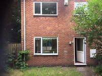 TO LET 3 BED END TOWN HOUSE TOP VALLEY