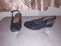 Womens size 3 shoes