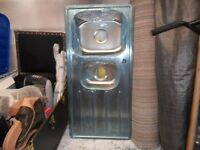 KITCHEN SINK BRAND NEW STILL IN PLASTIC-PLUS Chrome Pull Out Rinser Kitchen Sink Tap Mono Mixer