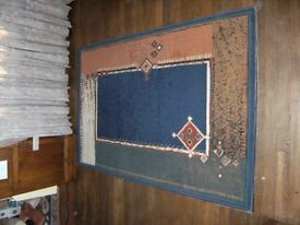 Nice modern rectangular rug size 225cm x 160cm
