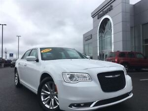 2016 Chrysler 300 TOURING LEATHER/MOONROOF