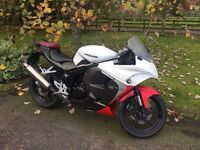 For sale ////// 2015 hyosung 125cc motorcycle