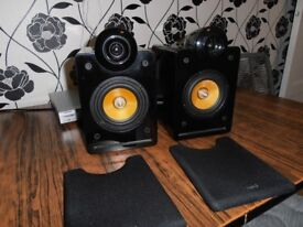 LOGIC 3 SPEAKERS IN PIANO BLACK.