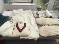 JOB LOT OF CRICKET MENS BOYS EQUIPMENT PADS GLOVES TROUSERS SHIRT 2 X JUMPERS CARRY BAG BARGAIN