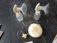 Medela Swing Maxi Double Electric Breast Pump for Sale in good working condition
