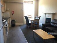 5 bedroom flat in Burlington Street, Bath, BA1 (5 bed) (#944714)