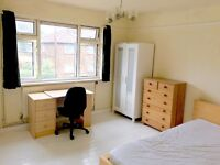 Brand New Double Room in Richmond - 5 mins from station