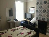 2 rooms available in friendly shared furnished house near city center & university bills incl