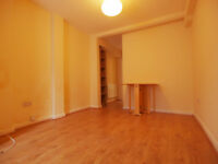 A stunning 1 double bedroom ground floor flat set in between Finsbury Park & Archway tubes