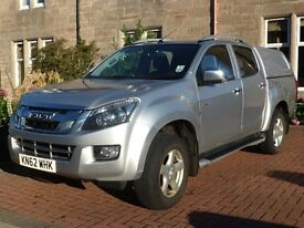Isuzu D-Max Double cab Utah model. Full leather. Canopy and tow bar.