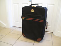 Suitcase - Globe Trotter, black with wheels
