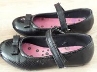 Shoes for girl, used in good condition