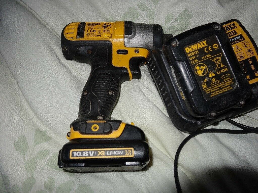 Dewalt Dcf815 10 8v Impact Driver Nice Condition 2 Good Batteries And Charger