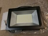 Brand new Lantoo LED Floodlight 50W,Day White 6000K 220V 5000LM IP65 Waterproof