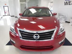 2013 Nissan Altima 2.5L FWD 56$/semaine