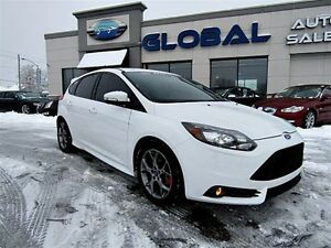 2014 Ford Focus ST  252 hP  LEATHER RECARO SEATS LOW KM..