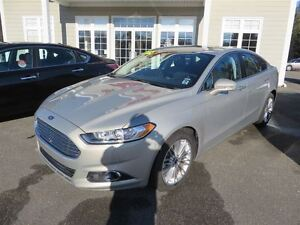 2015 Ford Fusion SE AWD, NAVIGATION, LEATHER, ONLY 5,000 KMS!!