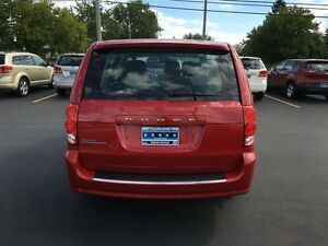 2014 Dodge Grand Caravan SE - WE FINANCE GOOD AND BAD CREDIT Windsor Region Ontario image 6