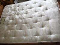 King size pocket sprung mattress