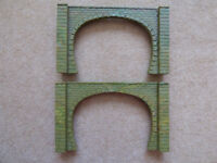 Hornby R164 Tunnel/Bridge Portals Pair, Double Track, OO Gauge Excellent Condition