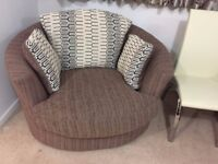 Excellent condition swivel chair