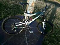 Mongoose free ride, all Mountain, downhill bike