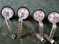 2 Pairs Of universal stabilizers